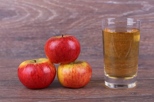 احلي طريقة عمل عصير التفاح زي الجاهز